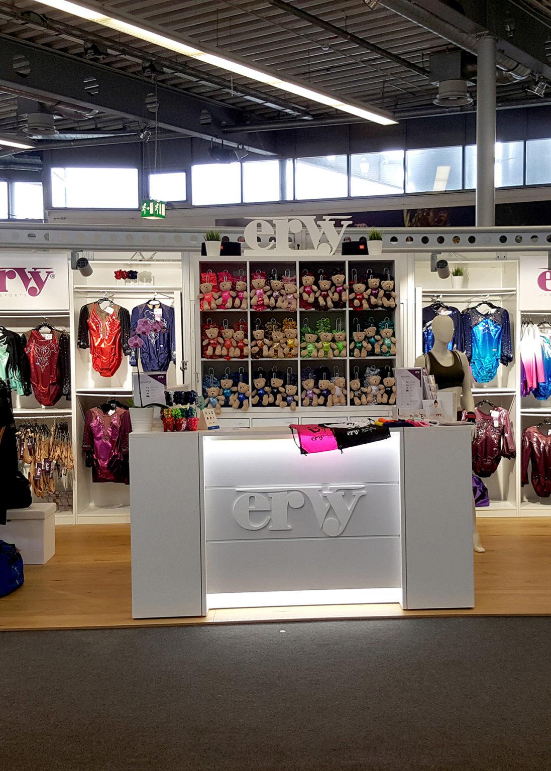 Verkaufstand von ERVY auf der Turn Weltmeisterschaft 2019 in Stuttgart in Deutschland